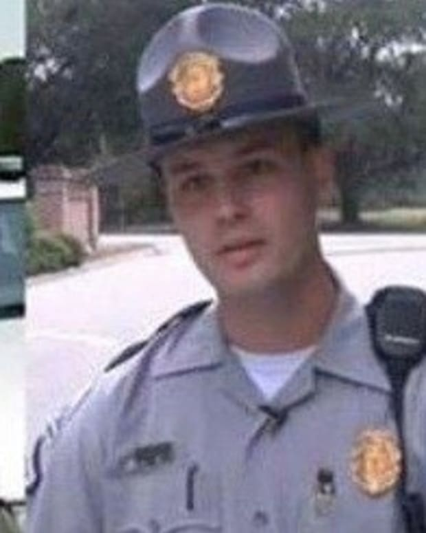 Cop Sees What Mom And Son Are Doing In Car, Reacts Swiftly Promo Image