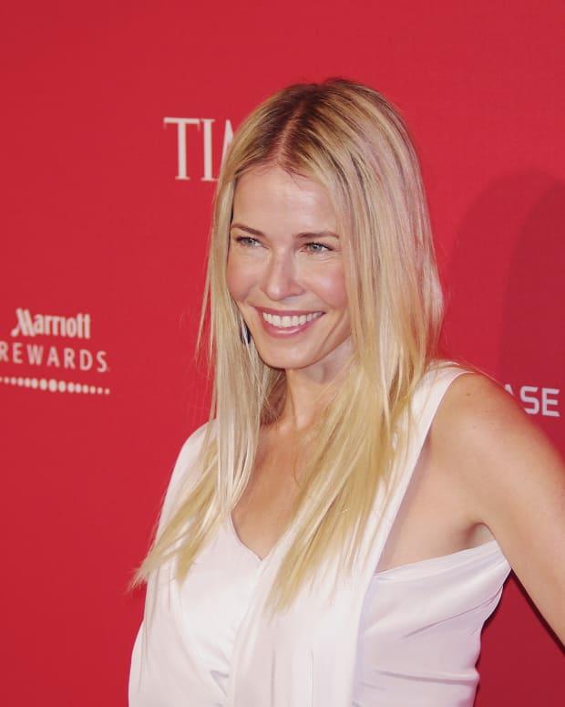 Chelsea Handler Blasts Sarah Huckabee Sanders  Promo Image