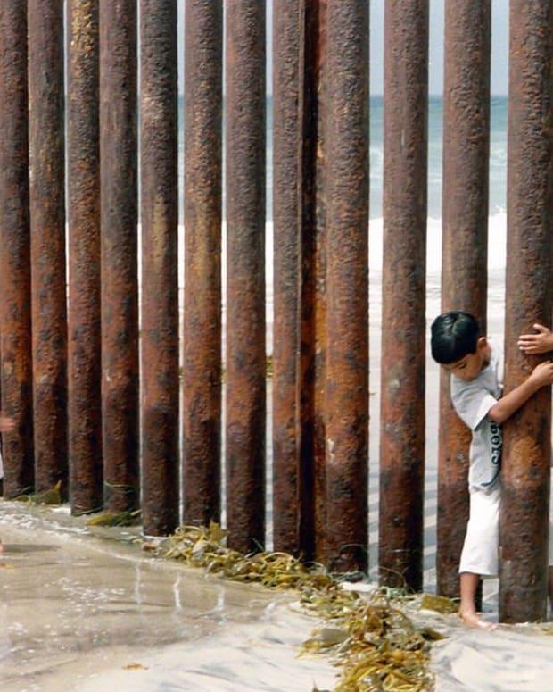 Vicente Fox Blasts Trump's Wall (Video) Promo Image