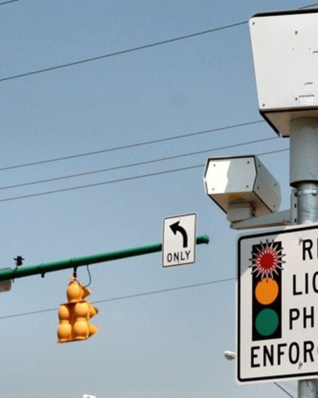 Iowa City Set To Ban Red Light Cameras, Drones, License Plate Readers