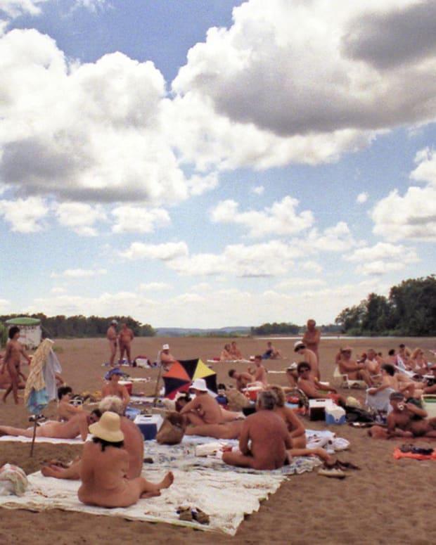 Wisconsin Cracks Down On Public Sex At Nude Beach « CBS