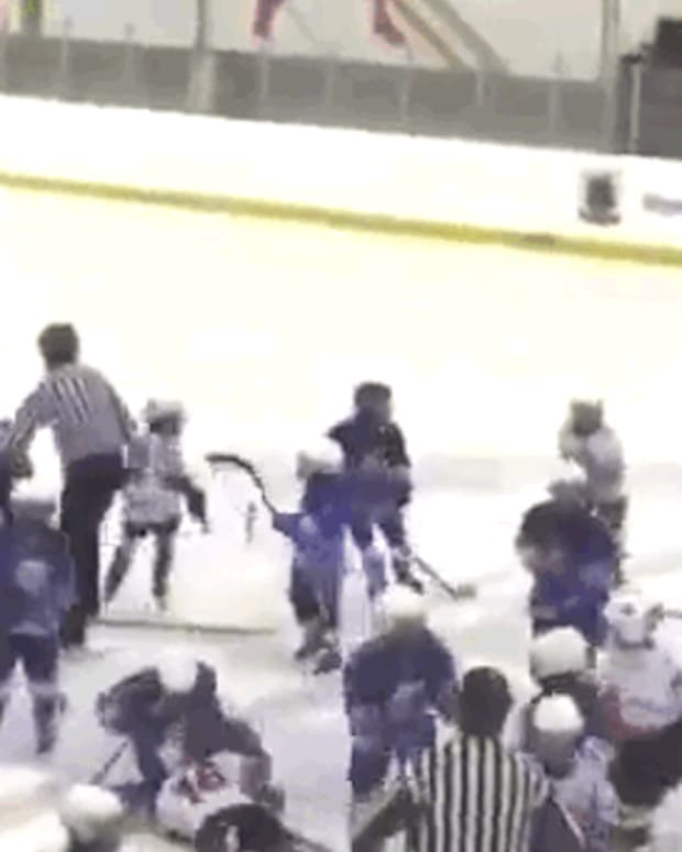 kidshockeyfight_featured.jpg