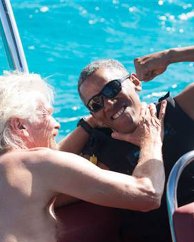 20170207_ObamaKitesurfing_THUMB_SITE.jpg