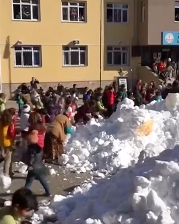 20170125_TurkishSnowKids_THUMB.jpg