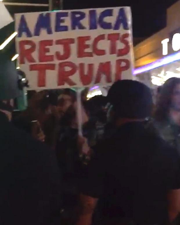 20170130_LAXProtest_Thumb.jpg