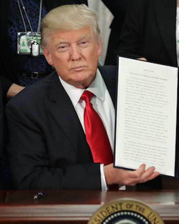 20170131_TrumpImmigrationBan_THUMB_SITE.jpg