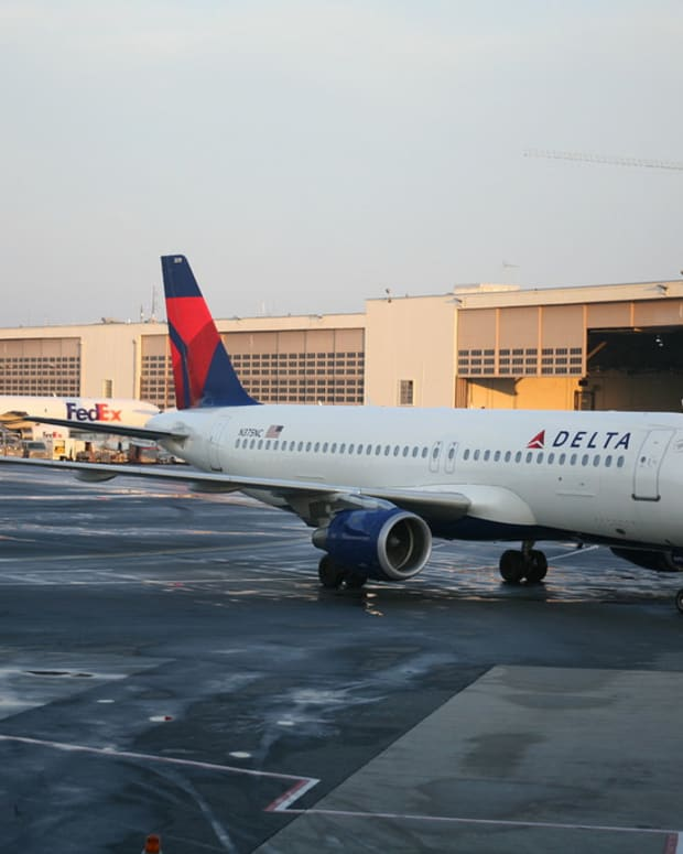 Woman Thrown Off Delta Flight For Outburst (Video) Promo Image