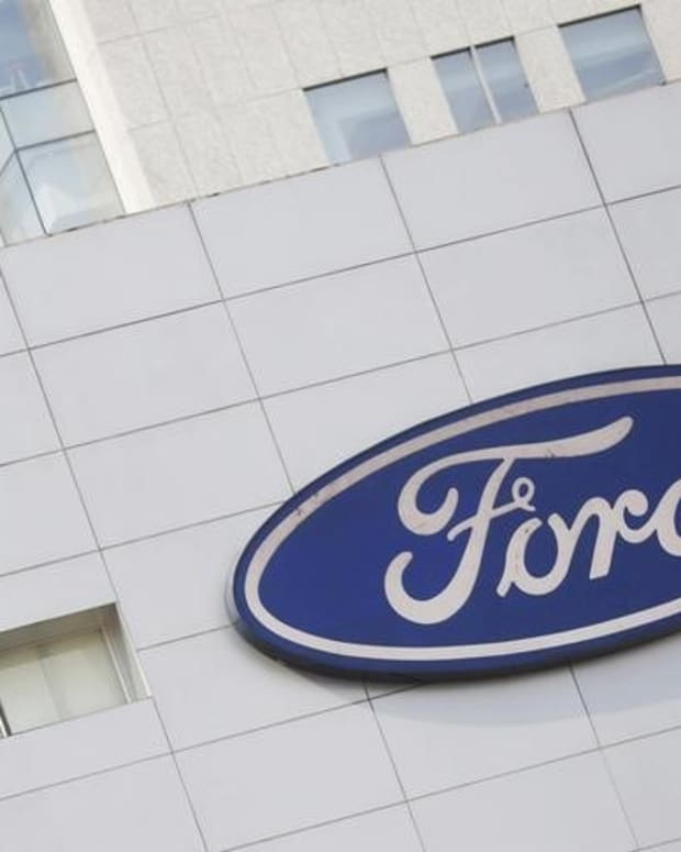 Ford Issues 'Do Not Drive' Warning For 33,000 Pickup Trucks Promo Image