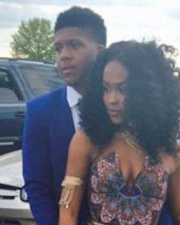 Girl Outraged After Teacher Bashes Prom Dress (Photos) Promo Image