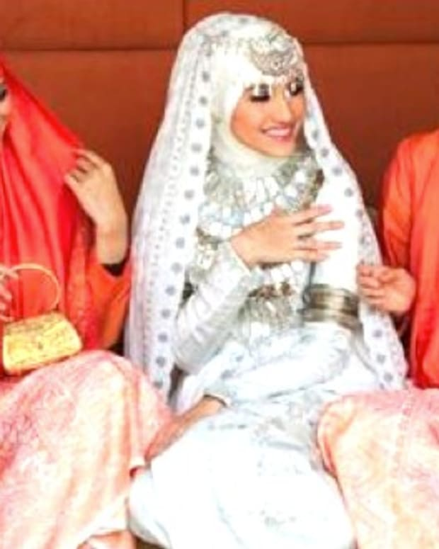 Facebook Page Promotes Islamic Female Circumcision Promo Image