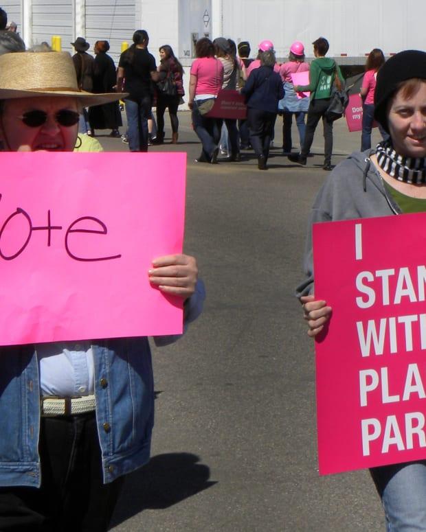 pro-planned parenthood protestors