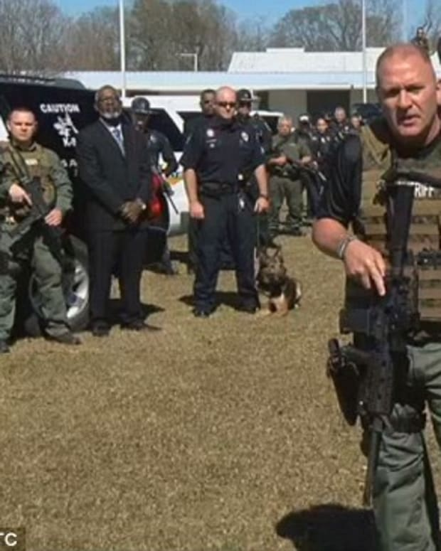 Captain Clay Higgins speaking to gang in the video