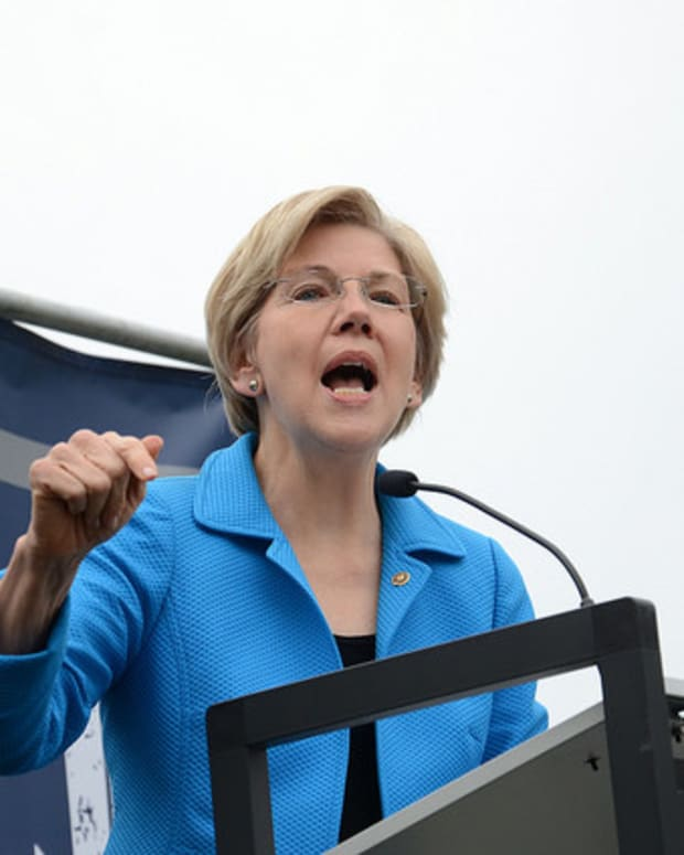 Elizabeth Warren: Trump Is No Business Prodigy Promo Image
