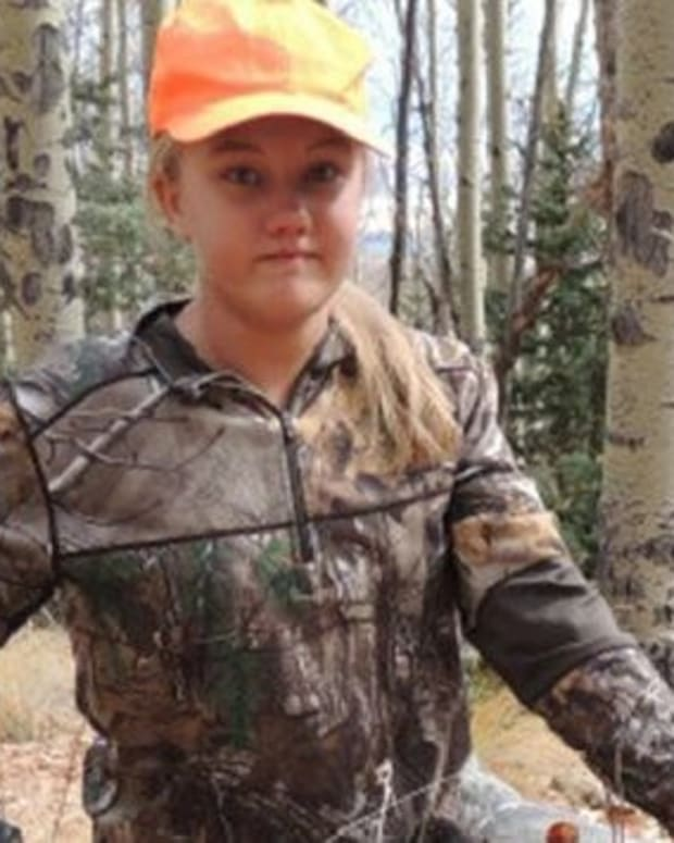 12-Year-Old Girl's Hunting Photo Sparks Debate (Photo) Promo Image