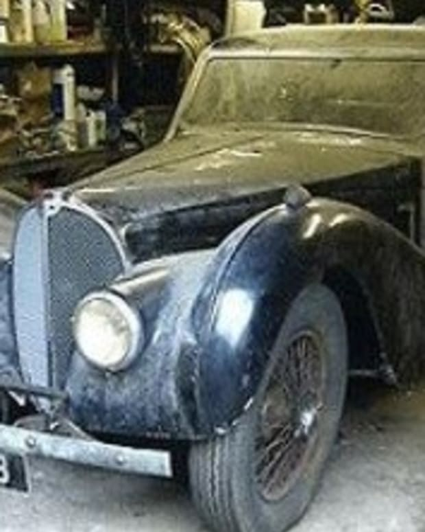 Car Left Rusting In Woods For 40 Years Worth A Fortune (Photos ...