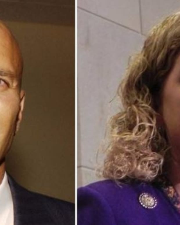 Top Progressive Group Backs Challenger To DNC Chair Promo Image