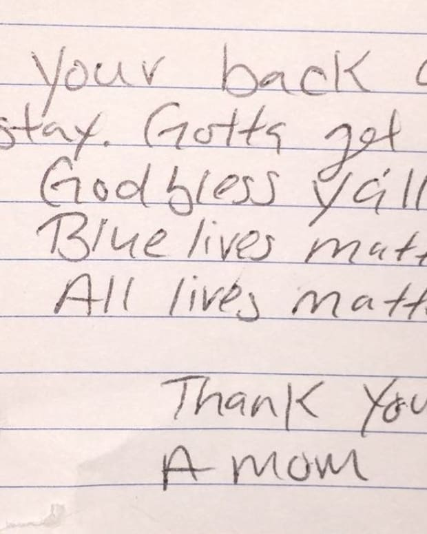 Here's The Anonymous Note This Officer Found Waiting For Him On His Patrol Car (Photo) Promo Image