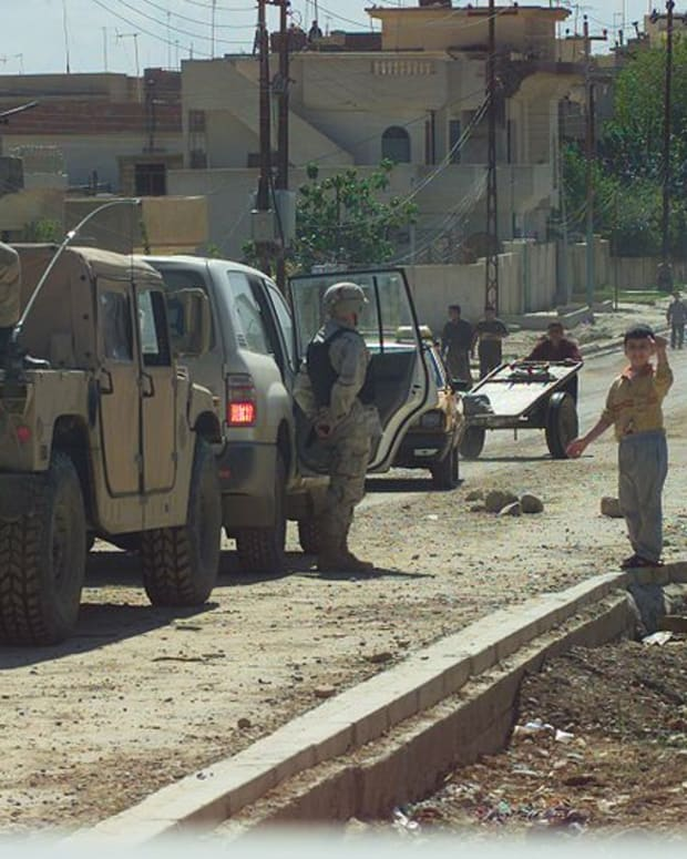 American soldiers enter Mosul, Iraq.