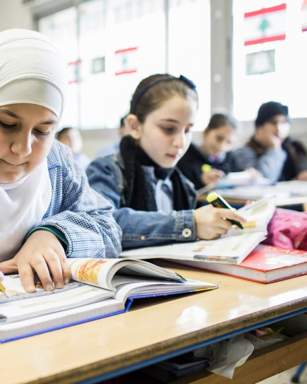 refugees among students