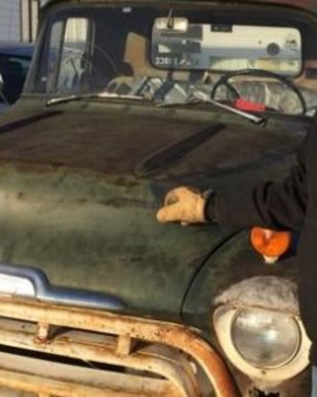 Here's The Trusty Truck That Has Served This Man Well For 38 Years (Photos) Promo Image
