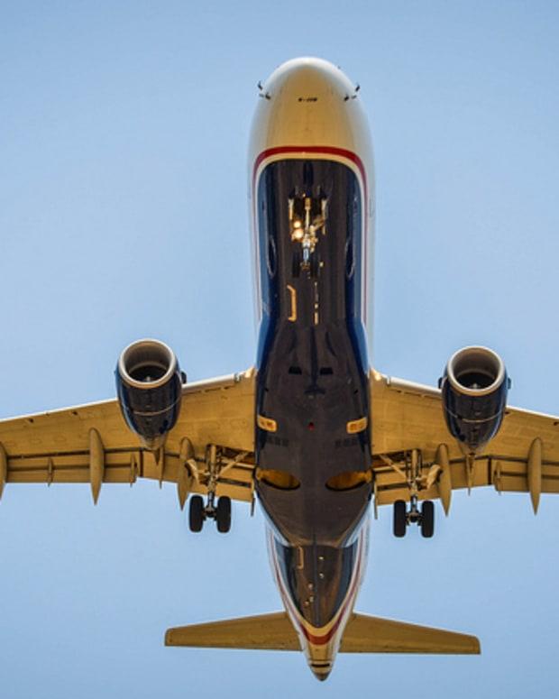 American Airlines Flight Landing.