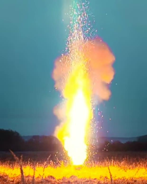 10,000 sparklers set off at once