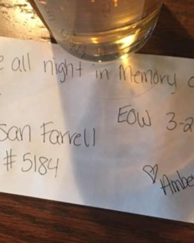 Waitress Finds Heartwarming Tribute Note With Beer Promo Image