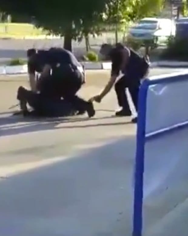 California Cops Use Batons, Taser On Jaywalker (Video) Promo Image