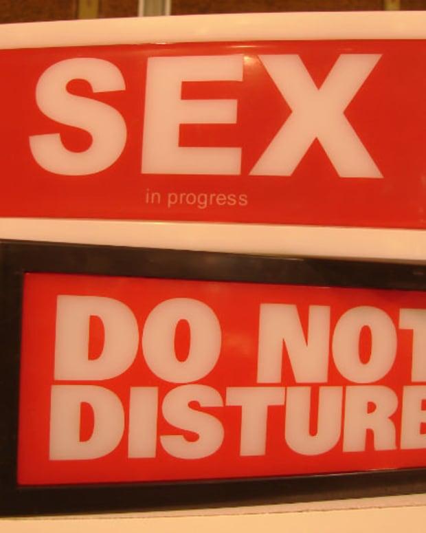 'Sex do not disturb' signs