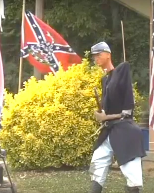 School Makes Teen Take Down Confederate Flag (Photos) Promo Image