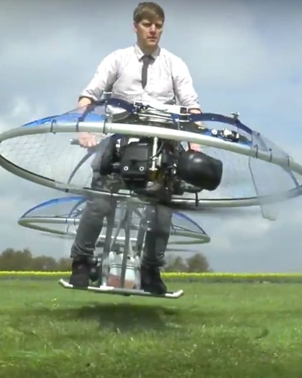 Plumber Builds Homemade Hoverbike That Flies (Video) Promo Image