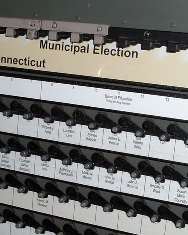 Illinois To Enact Automatic Voter Registration Promo Image