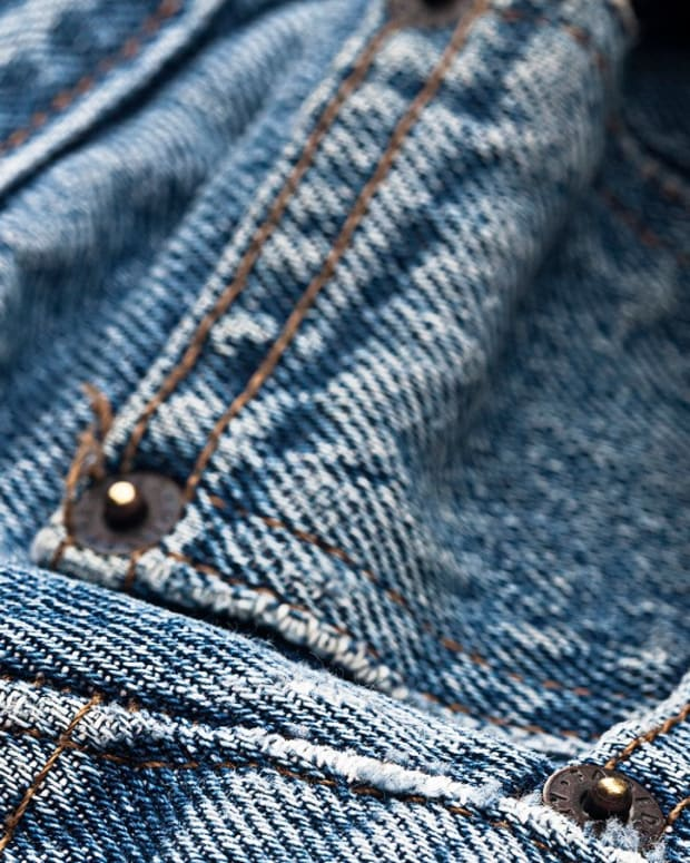 Small pocket in jeans