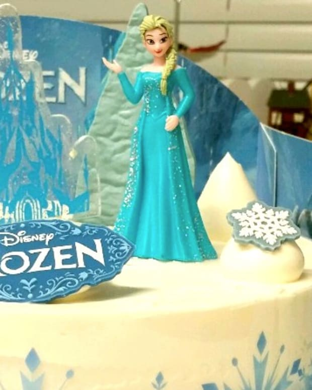 Religious Right: 'Frozen' Heroine Elsa Needs Boyfriend Promo Image