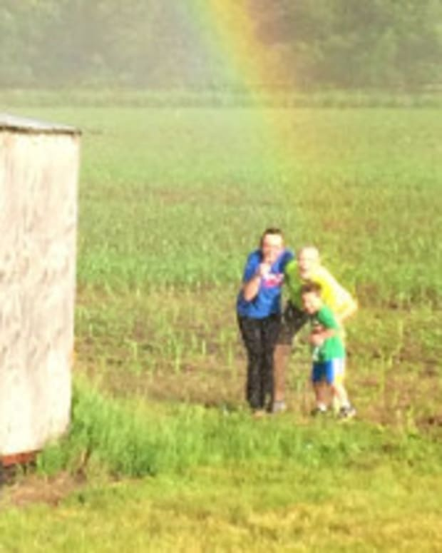 Family Discovers End Of The Rainbow (Photos) Promo Image