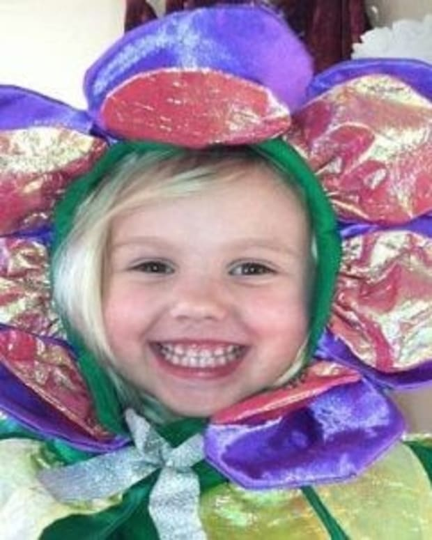 4-Year-Old Girl Dies After Splitting Turkey Sandwich With Friend  Promo Image