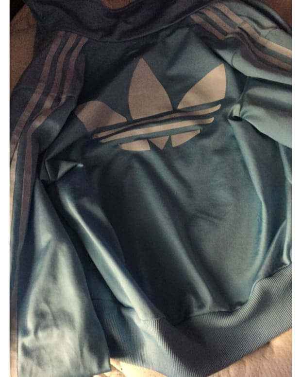 'The Dress' Round 2: What Color Is This Jacket? (Photo) Promo Image