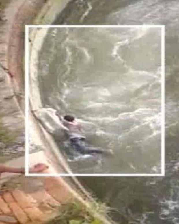 Screenshot, Sikh men rescuing drowning boys