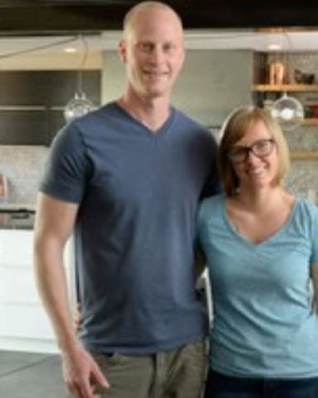 Couple Build Home From Shipping Containers (Photos) Promo Image