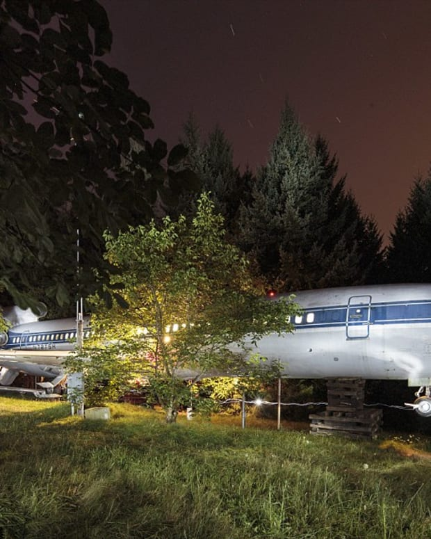 an airplane home in oregon