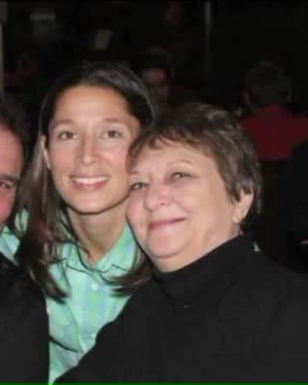 Nikki with her parents