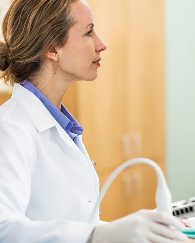 technician giving an ultrasound