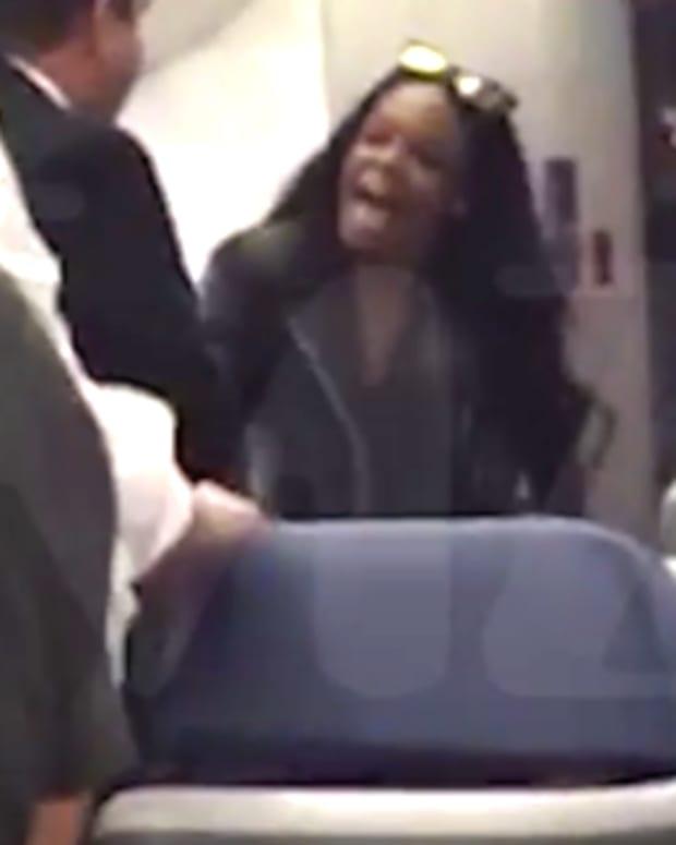 Screen capture, Azealia Banks on airplane