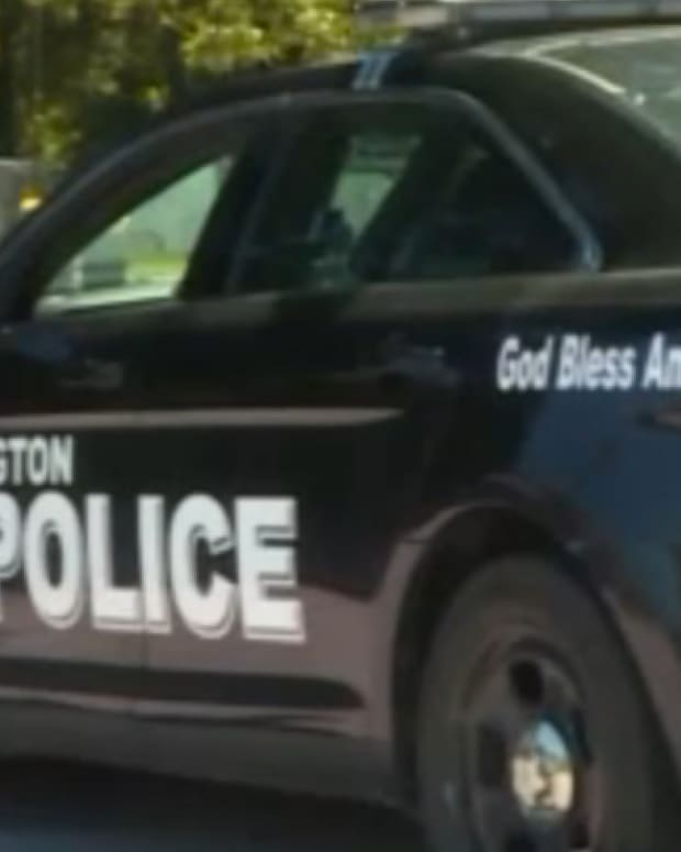 police car with 'god bless america' on it