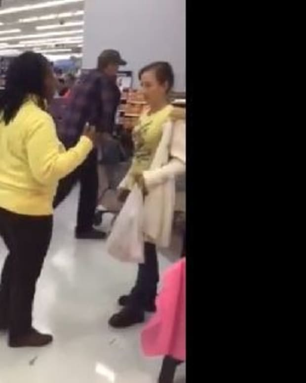 Video Of Chaos At Walmart Quickly Goes Viral (Video) Promo Image