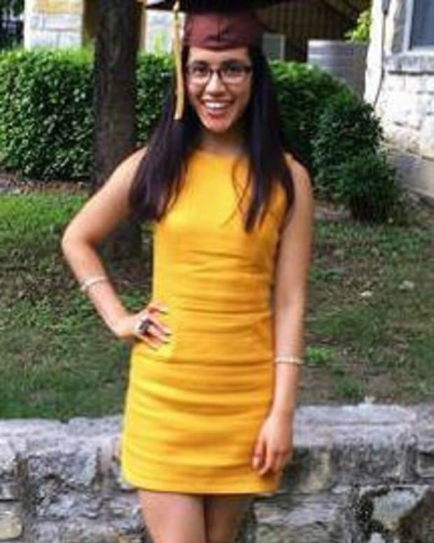 Texas Valedictorian Reveals She's Undocumented  Promo Image
