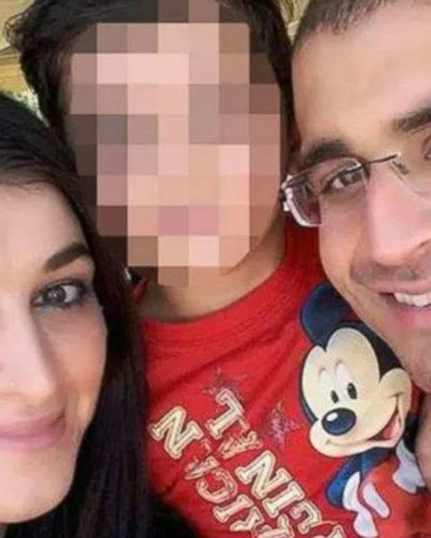 Orlando Gunman Sent Texts To His Wife During Attack Promo Image
