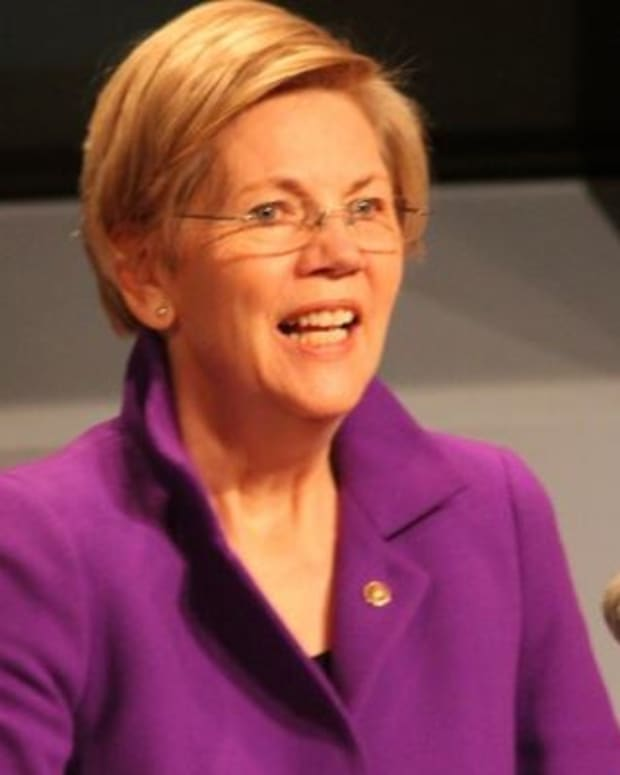 Elizabeth Warren 'Trying Out' To Be Clinton's VP Promo Image