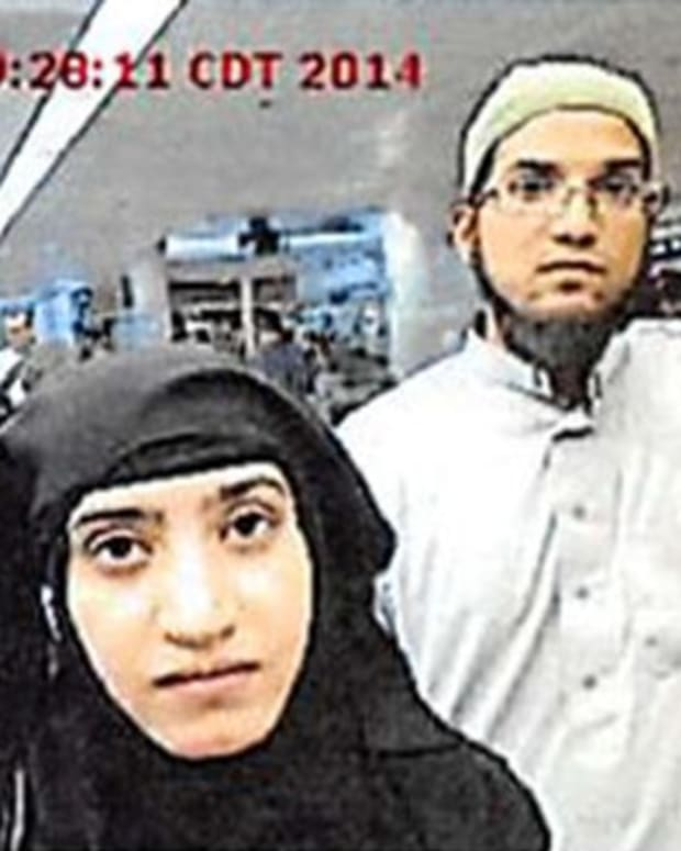 Syed Farook and Tashfeen Malik at O'Hare Airport.