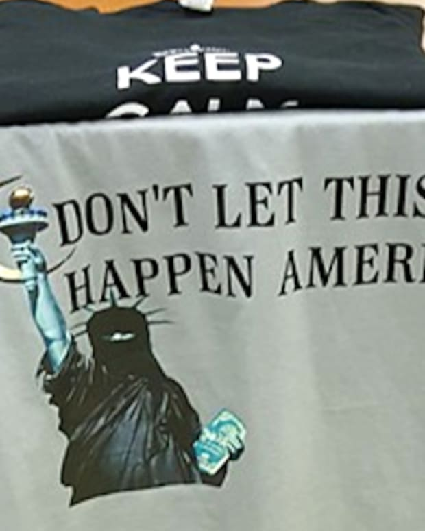 Anti-Islam Shirt.